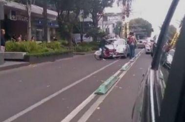 Automovilista arrolla bicicleta
