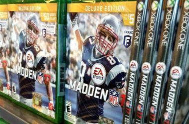 El juego Madden NFL 17 en tiendas