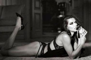 Adriana Lima posa para sesión de Victoria Secret