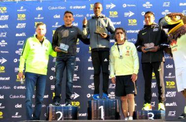 Ganadores de la carrera del Centenario del América suben al podio