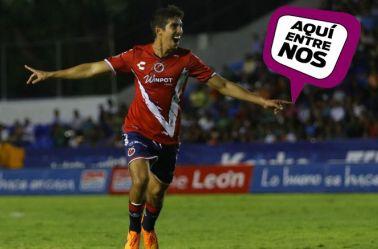 Alan Zamora festeja un gol durante un partido del A2015