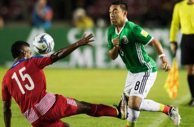 Fabián, durante un encuentro de la Selección Mexicana