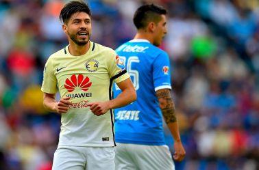 Oribe Peralta festeja su gol frente a Cruz Azul en el Clásico Jóven pasado