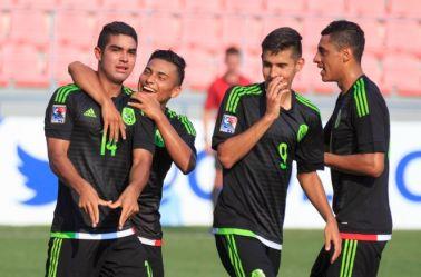 Alan Maeda festeja su tanto en la goleada del Tri Sub 17 frente a El Salvador