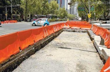 Obras en Reforma por la construcción de la L7 del Metrobús