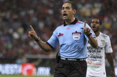 Roberto García Orozco, durante un partido de la Liga MX