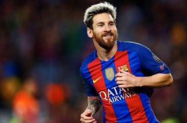 Lionel Messi sonríe tras anotar un gol con el Barcelona