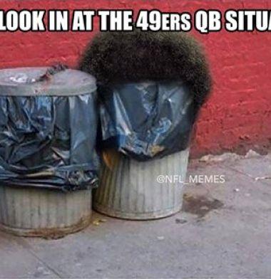 Kaepernick y los 49ers viven situación similar