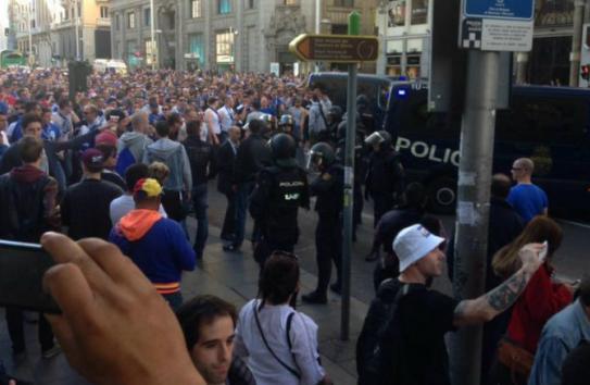 Policía vigila a afición del Schalke 04