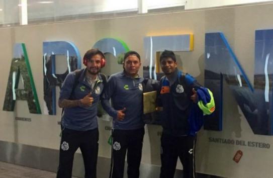 Jugadores de Puebla a su arribo a Argentina