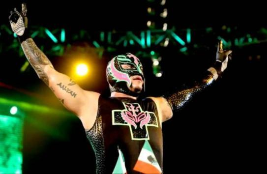 Rey Mysterio antes de una lucha en WWE