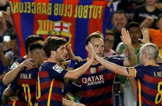 Jugadores de Barcelona festejan una victoria