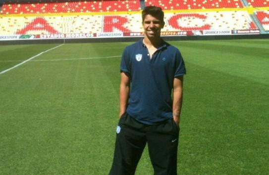 Pier Larrauri en el estadio de Monarcas cuando jugaba con Tuzos