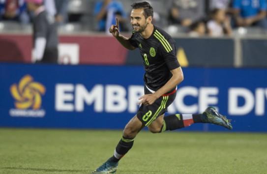 Raúl López celebra gol en el Preolímpico