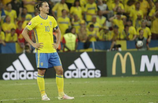 Zlatan luce decepción en juego contra Bélgica