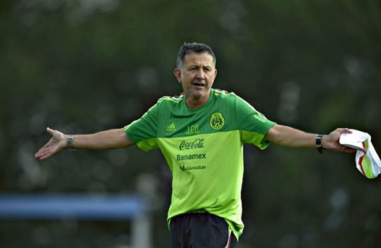 Osorio gesticula en entrenamiento