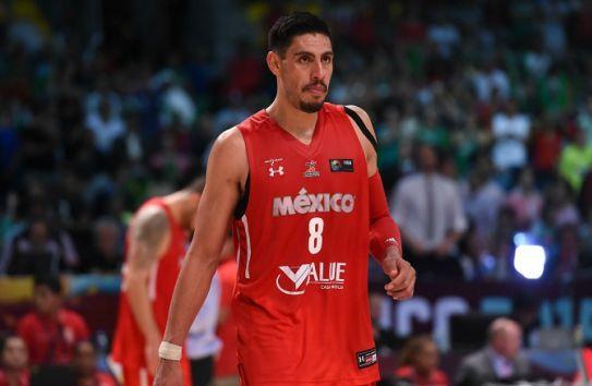 Gustavo Ayón en lamento durante el Preolímpico de basquetbol FIBA Américas 2015