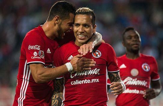 Dayro Moreno festeja un gol con Tijuana