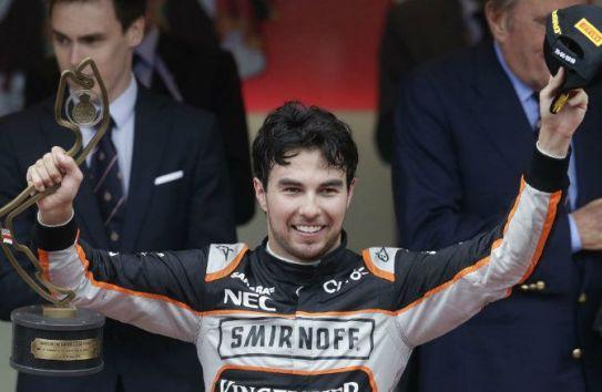 Checo Pérez festeja un tercer lugar en el podio