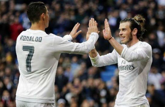 Cristiano Ronaldo y Bale festejan un tanto merengue