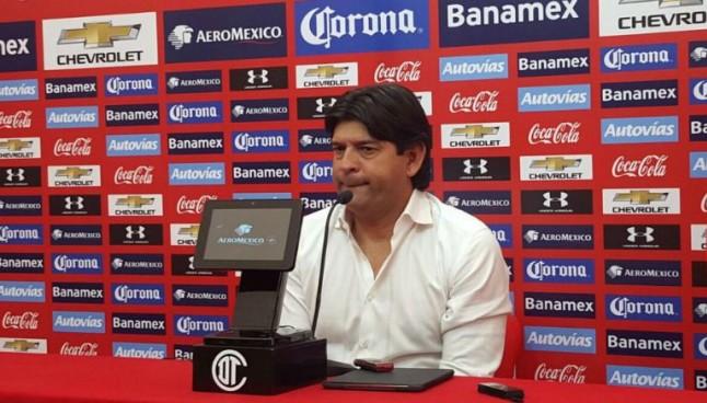 José Saturnino Cardozo, durante conferencia de prensa