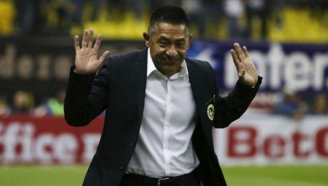 Ambriz durante el partido de América frente a Toluca