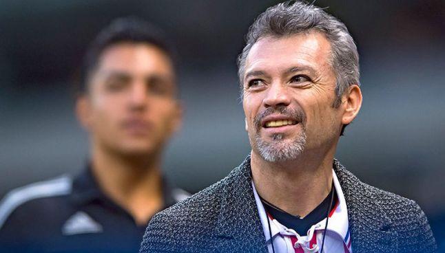 José Luis Higuera, durante un partido de las Chivas