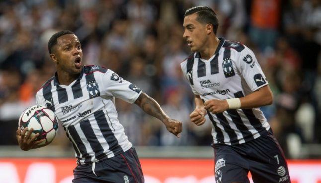 Dorlan Pabón y Funes Mori festejan un gol