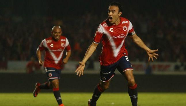 Leobardo López celebra el tanto de la victoria veracruzana