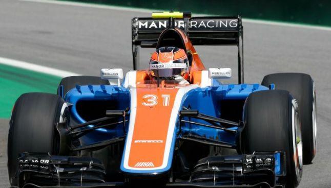 El piloto de Manor Racing, Esteban Ocon, conduce su monoplaza en 2016