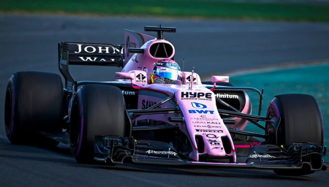 Checo Pérez disputa el GP de Australia