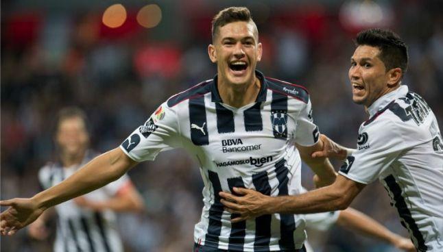 César Montes festeja su gol contra Tigres