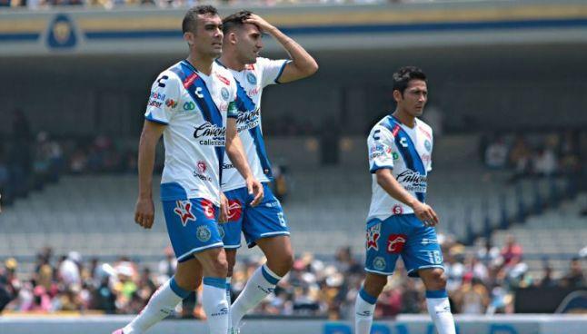 Jugadores de Puebla en el juego contra Pumas del Clausura 2017