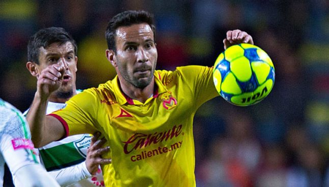 Luis Gabriel Rey durante un partido con Monarcas