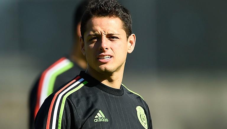 Chicharito en la práctica de la Selección Mexicana