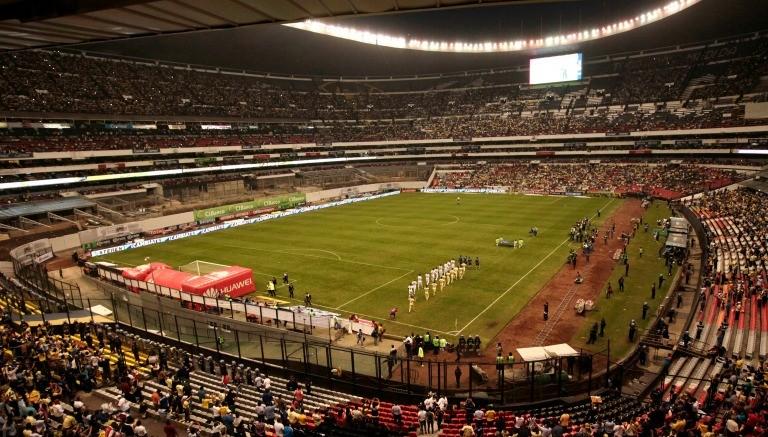 Am rica rayados no alcanza el lleno en el estadio azteca for Puerta 1 estadio azteca
