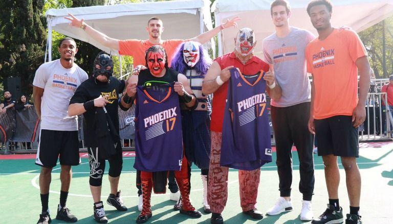Luchadores de la Triple A se reúnen con los Phoenix Suns