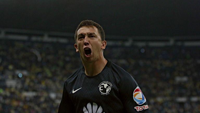 Marchesín grita un gol de América en el estadio Azteca
