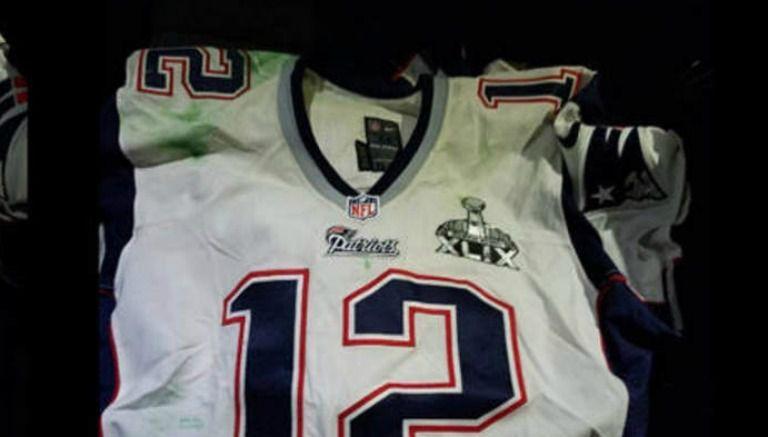 Jersey que usó Tom Brady en el SB XLIX hallado en México