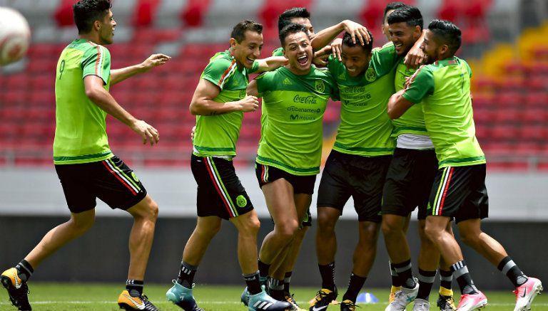 México disfruta del buen ambiente en sus entrenamientos