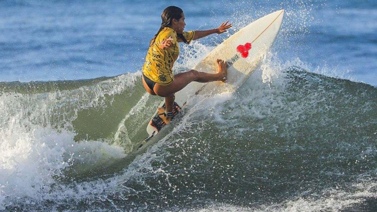 Surfista salvadoreña murió al ser alcanzada por un rayo en una jornada de  práctica