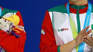 Paola Espinosa y Alejandra Orozco, en la premiación durante los juegos Panamericanos de 2015