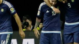 Los jugadores de Argentina celebran el cuarto gol frente a EU