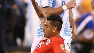 Gonzalo Higuaín en el partido contra Argentina