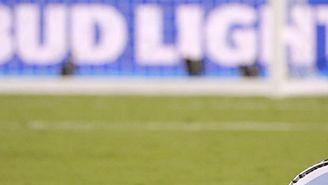 Messi se lamenta tras perder en penaltis contra Chile