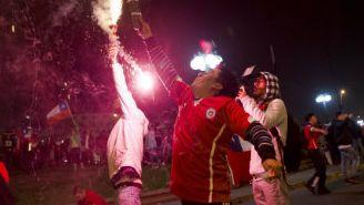Aficionados Chilenos festejan el Bicampeonato de Copa América