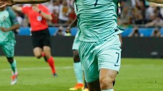 Cristiano Ronaldo festeja gol contra Gales