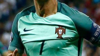 Cristiano Ronaldo celebra su tanto frente a Gales en las 'Semis'