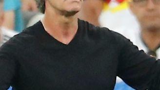 Löw reclama en el juego contra 'Les Bleus'