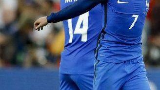 Griezmann sonríe a la tribuna francesa